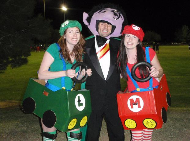 ultimate players dressed as the Count and Mario Carts